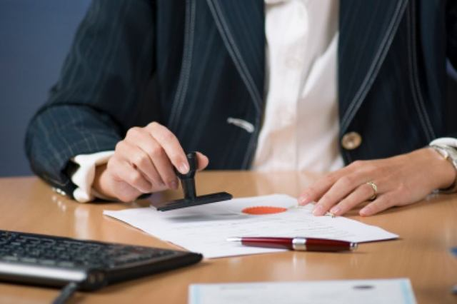 Договор купли продажи доли в квартире с использованием материнского капитала: образец, алгоритм действий и ограничения