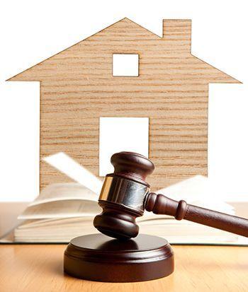 Как получить решение суда о выселении и снятии с регистрационного учета с предоставлением другой приватизированной жилой площади: обзор судебной практики