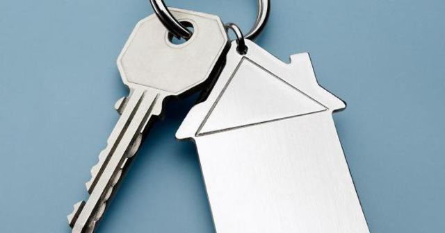 До какого возраста дают ипотеку на жилье в Сбербанке: а также со скольки лет можно стать заемщиком, какие условия ограничений для взятия кредита на квартиру?