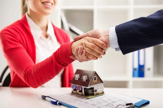 Поручитель по ипотеке в Сбербанке: что это, нужен ли для оформления кредита или можно это сделать без него, требования фин. учреждений и степень ответственности