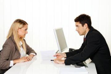 Каким по времени может быть сервитут? Каковы сроки действия срочного и постоянного обременения?