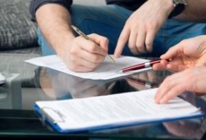 Как выписать бывшего мужа (жену), несовершеннолетнего ребенка из квартиры после развода: если не собственник, без согласия; образец искового заявления о выписке
