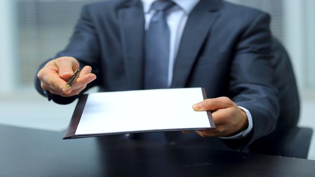 Договор аренды нежилого помещения между физическим и юридическим лицом: бланк и образец; разъяснение, как гражданин может сдавать недвижимость без образования ИП