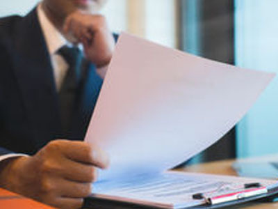 Договор мены земельного участка на квартиру, машину и земельный участок с домом: образец договора и налоговые последствия