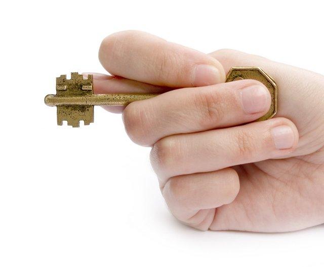 Собственник нежилого помещения в многоквартирном доме: права и обязанности, правила пользования недвижимостью и заключения договора с владельцем имущества в МКД