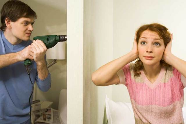 Как выписать человека из квартиры без его согласия, если он или я собственник и можно ли это сделать?